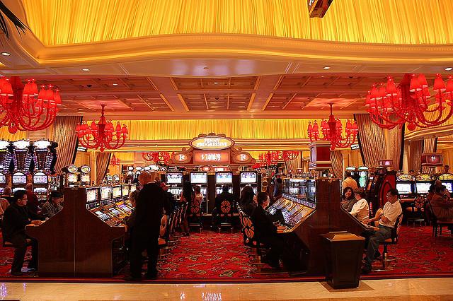 Онлайн казино Casino Las Vegas-отправляемся играть в