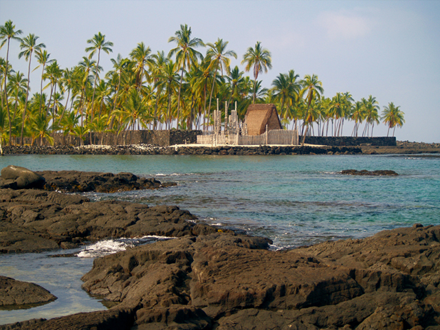 Kealekekua Bay - Pu'uhonua o Honaunau National Historical Park или City of Refuge (South Kona) - Two Step Beach