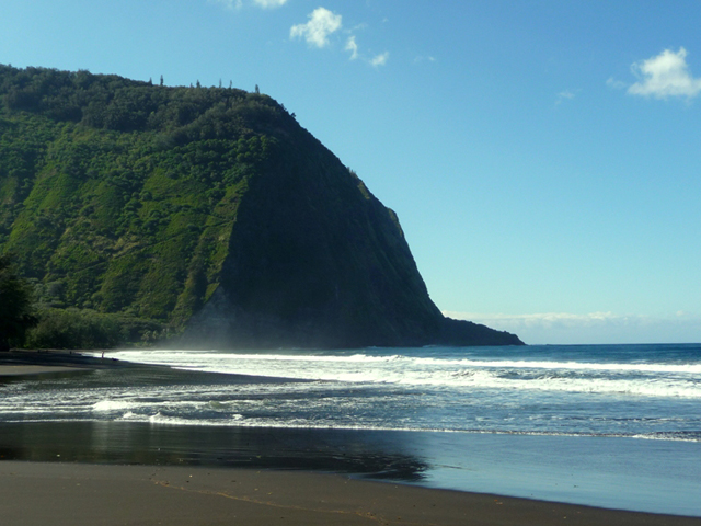 Pololu Valley Beach (North Kohala)