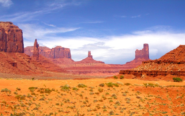 Долина Монументов, Monument Valley Tribal Park и Navajo Dunes, AZ