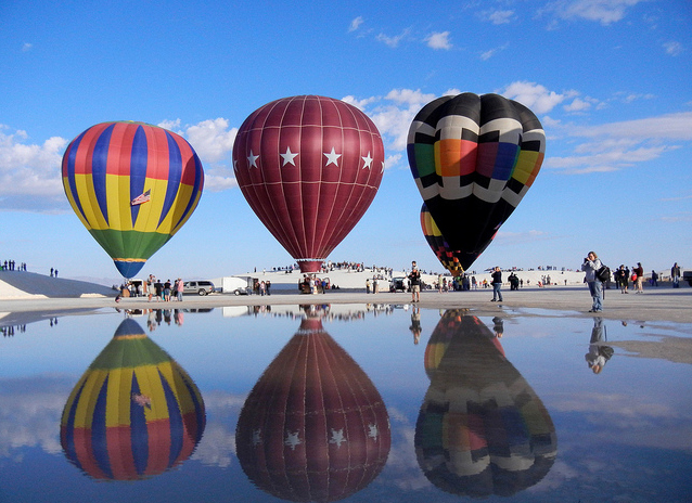 Фестиваль воздушных шаров White Sands Balloon Festival в White Sands National Monument, New Mexico