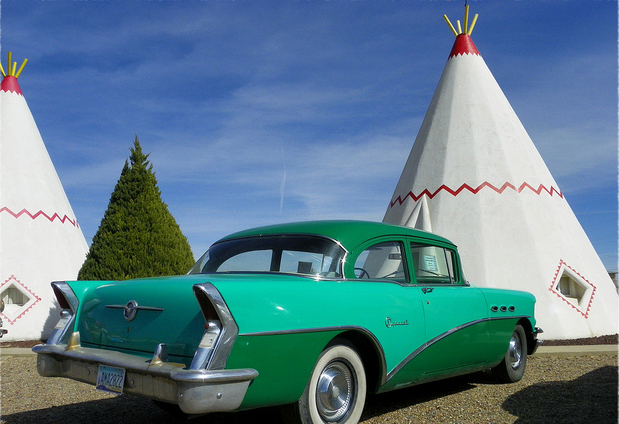 Teepee-shaped Wigwam Motels, Wigwam Village #6 в городе Holbrook, Arizona, вдоль исторического хайвея 66
