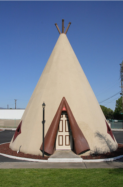 Teepee-shaped Wigwam Motels в Калифорнии