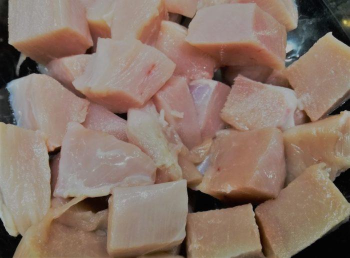 Куриное филе, нарезанное кубиками | Cubed chicken fillet