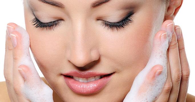 Лечение прыщей: шаг 1 - мягкое очищение кожи