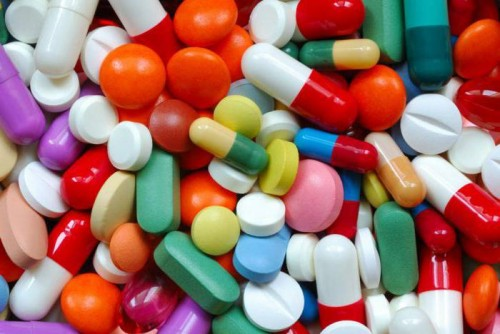 Таблетки, пилюли, витамины, медикаменты, лекарства